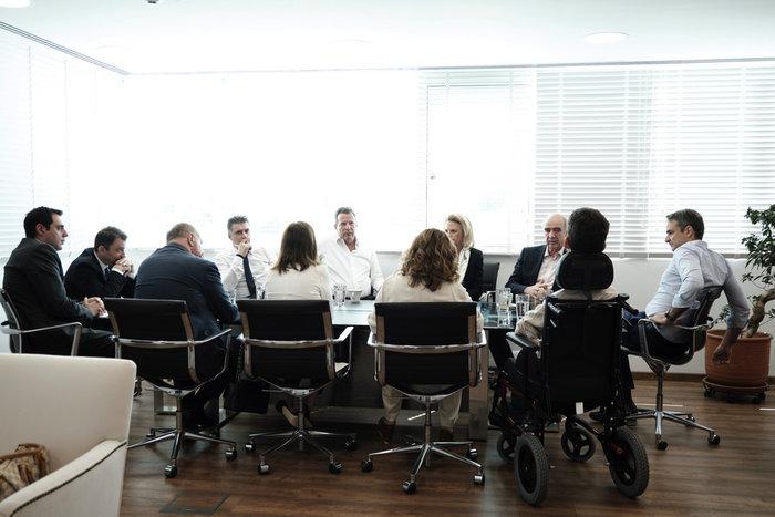 Η συνάντηση Μητσοτάκη με τους νέους ευρωβουλευτές της ΝΔ - εικόνα 4