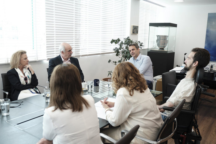 Η συνάντηση Μητσοτάκη με τους νέους ευρωβουλευτές της ΝΔ - εικόνα 6