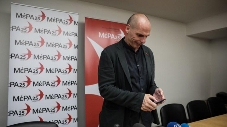 baroufakis-kata-tsipra-irthe-i-wra-gia-enilikes-sto-dwmatio
