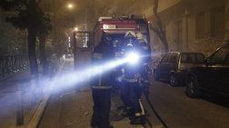 Στις φλόγες τυλίχτηκαν δύο αυτοκίνητα τα ξημερώματα στην Πυλαία