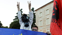 krisi-stin-albania-pros-kathairesi-o-proedros-dimokratias