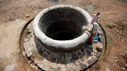 Ινδία: Εγκλωβισμένο εδώ και 4 μέρες σε πηγάδι ένα δίχρονο αγοράκι