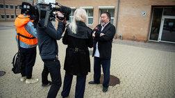 Ο Άι Γουέι Γουέι επισκέφτηκε τον Τζούλιαν Ασάνζ στην φυλακή