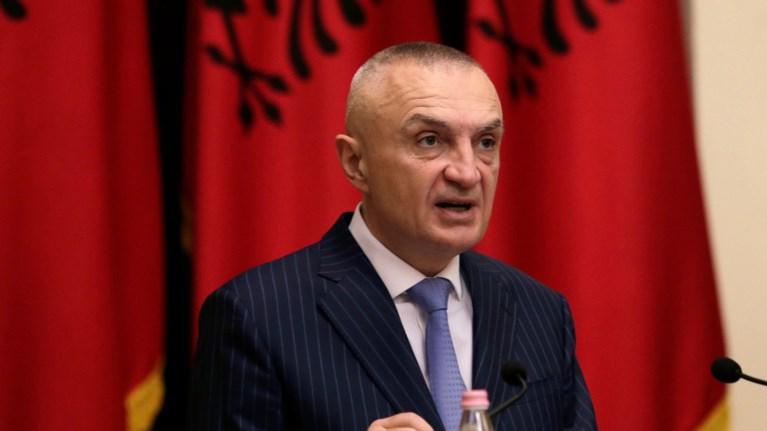 albania-klimakwnetai-i-kontra-metaksu-rama-kai-meta