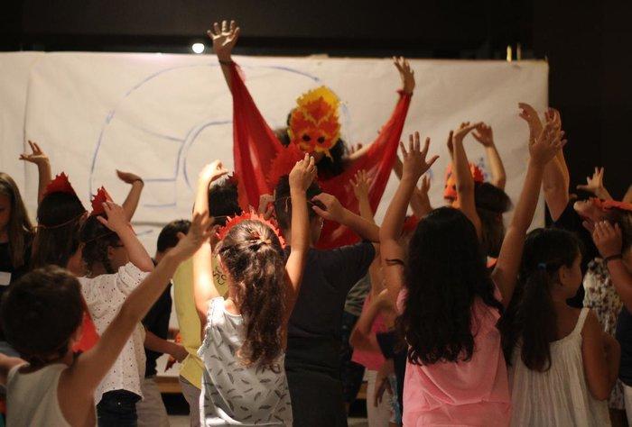 Ελληνικό Φεστιβάλ: Γονείς σε Επίδαυρο και παιδιά δημιουργικά απασχολημένα