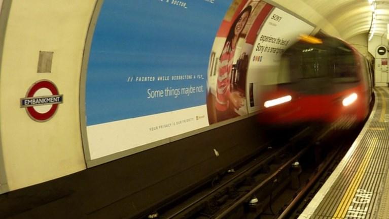 bretania-esprwkse-90xrono-stis-rages-tou-metro