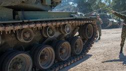 Θεσσαλονίκη: Τροχαίο με ερπυστριοφόρο σε μονάδα του Στρατού Ξηράς