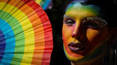 50-xronia-meta-to-stooungouol-to-gay-pride-sti-nea-uorki