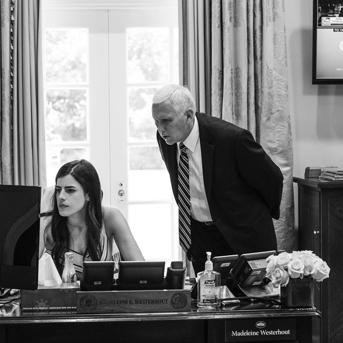 Αυτή είναι η αμοιβή της 28χρονης διευθύντριας του Λευκού Οίκου - εικόνα 2