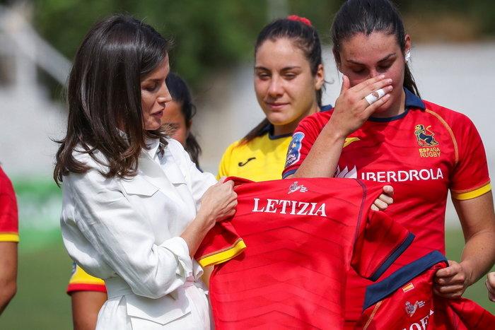 Λετίθια: Απίθανο safari look με τη γυναικεία ομάδα ράγκμπι Ισπανίας