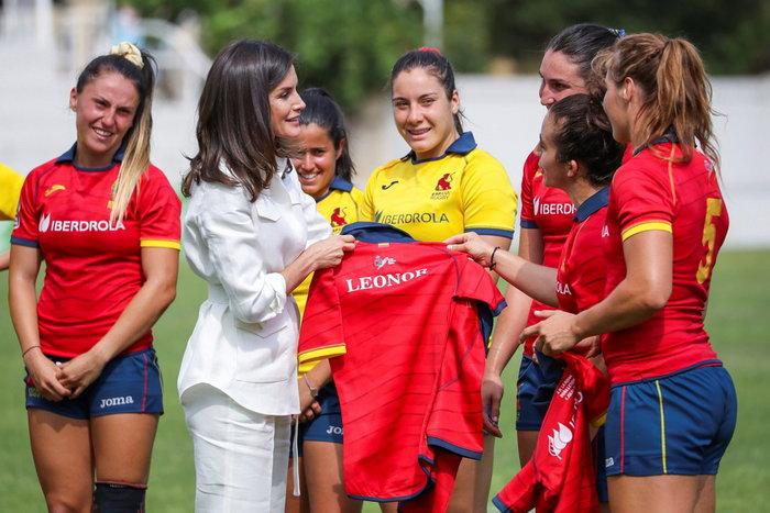 Λετίθια: Απίθανο safari look με τη γυναικεία ομάδα ράγκμπι Ισπανίας - εικόνα 2