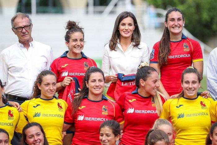 Λετίθια: Απίθανο safari look με τη γυναικεία ομάδα ράγκμπι Ισπανίας - εικόνα 3