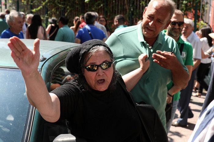 «Ντου» της Ελένης Λουκά και σε εκλογικό τμήμα - εικόνα 2