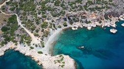 Η κρυφή παραλία της Σαλαμίνας που σε ταξιδεύει στο Αιγαίο. Video drone
