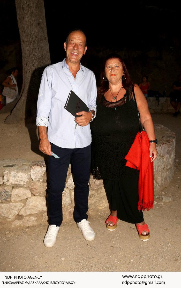 Φωκάς Ευαγγελινός: Η σπάνια εμφάνιση με την σύζυγό του-είναι μαζί 26 χρόνια - εικόνα 2