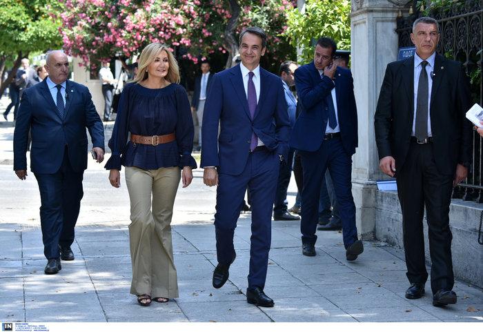 Ορκίστηκε η νέα κυβέρνηση του Κυριάκου Μητσοτάκη [φωτογραφίες] - εικόνα 4