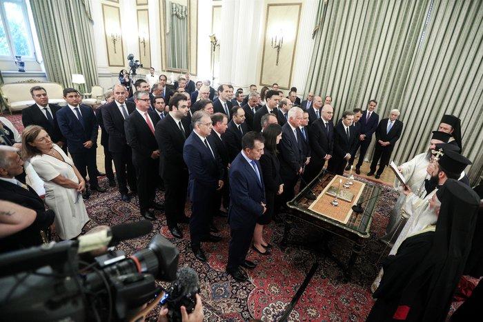 Ορκίστηκε η νέα κυβέρνηση του Κυριάκου Μητσοτάκη [φωτογραφίες] - εικόνα 5