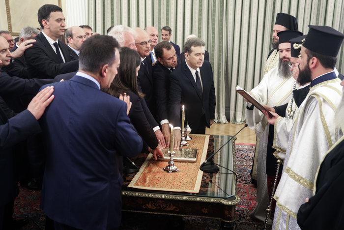 Ορκίστηκε η νέα κυβέρνηση του Κυριάκου Μητσοτάκη [φωτογραφίες] - εικόνα 8