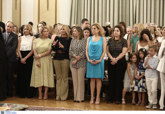 Ορκίστηκε η νέα κυβέρνηση του Κυριάκου Μητσοτάκη [φωτογραφίες] - εικόνα 23