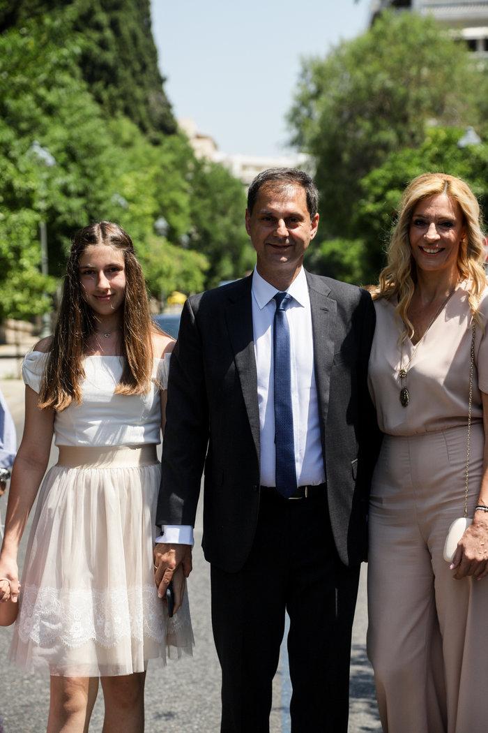 Ο Χάρης Θεοχάρης με τη σύζυγό του Δήμητρα και την 13χρονη κόρη της ΣύλιαEUROKINISSI