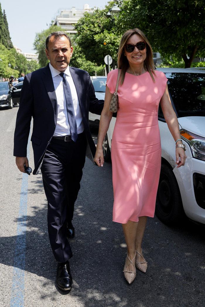 Ο Νίκος Παναγιωτόπουλος με τη νηπιαγωγό σύζυγό του Νατάσα ΑγγελίδουEUROKINISSI
