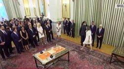 Ορκωμοσία: Η παράβλεψη της Ζαχαράκη που έκανε τον πρωθυπουργό να γελάσει