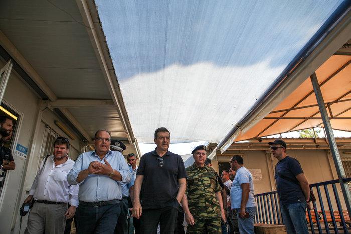 Στον προσφυγικό καταυλισμό της Μόρια ο Μιχάλης Χρυσοχοϊδης - εικόνα 3