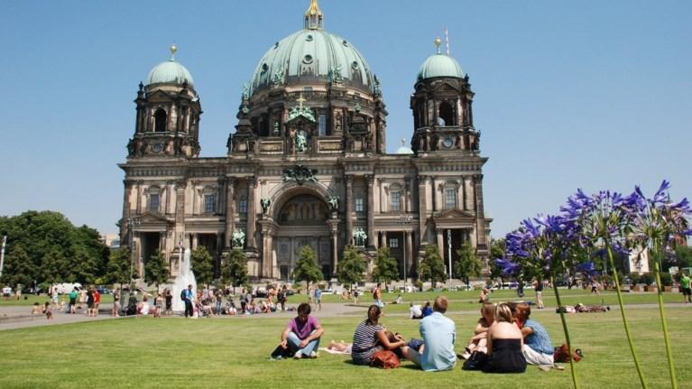Η μετανάστευση εκτίναξε τον πληθυσμό της Γερμανίας