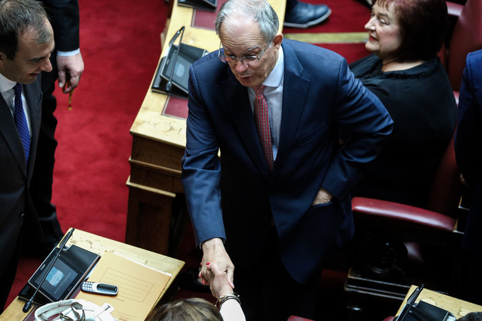 Νέος πρόεδρος της Βουλής με ρεκόρ 283 ψήφων ο Κώστας Τασούλας