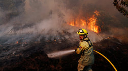 Πορτογαλία: 900 πυροσβέστες στη μάχη με τις πυρκαγιές