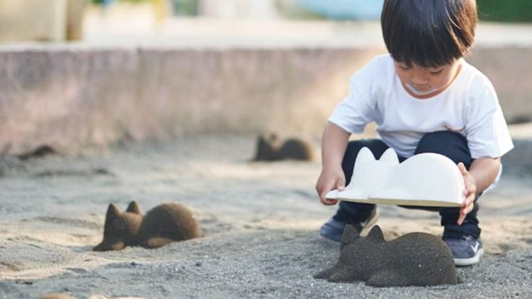 6a1b181b2 Neko Cup: Γάτες από άμμο στην παραλία
