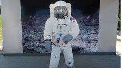 Η στολή του αστροναύτη Μπαζ Όλντριν, από κυβάκια