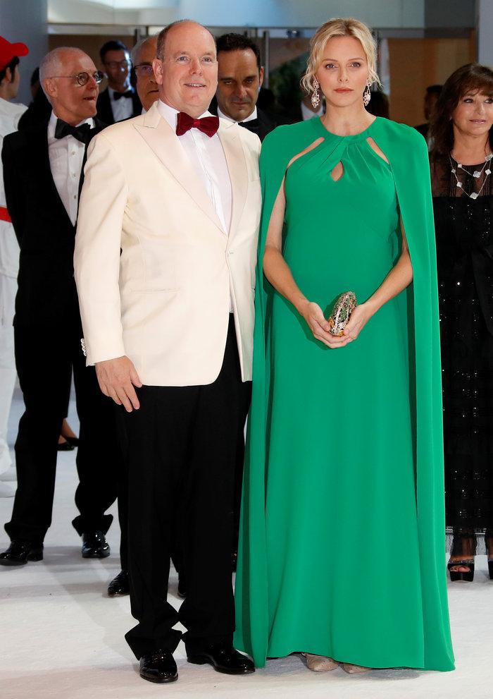 Πριγκίπισσα Σαρλίν: Η πολύ κομψή εμφάνισή της στο ετήσιο Red Cross Gala - εικόνα 4