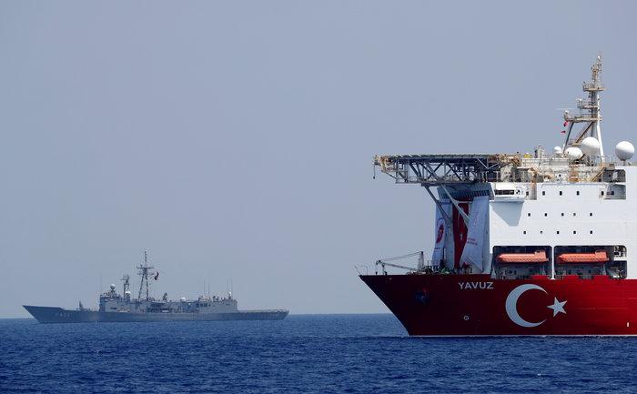 Στο Γιαβούζ ο Τούρκος υπ. Ενέργειας: Ξεκίνησαν οι γεωτρήσεις [Εικόνες]