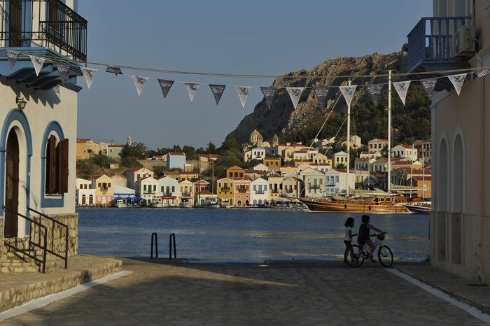 Ο Καραγκιόζης ταξιδεύει από άκρη σε άκρη στην Ελλάδα - εικόνα 2