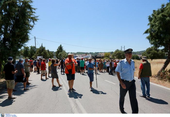 Μυτιλήνη: Διαμαρτυρία κατοίκων της Βρίσας «μπήκαμε στον τρίτο χρόνο» - εικόνα 3
