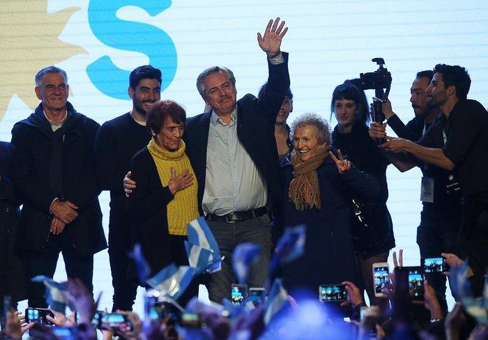 Αργεντινή: Νίκη για τον κεντροαριστερό Αλμπέρτο Φερνάντες (φωτό)