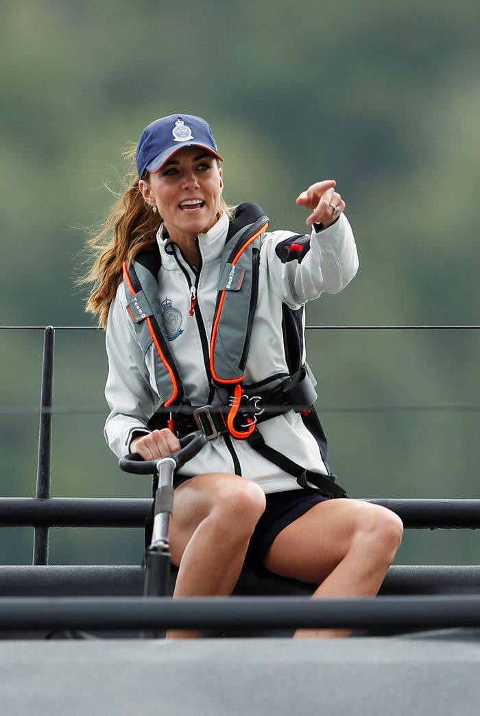 Η Κέιτ έδειξε τα πόδια της μετά από 10 χρόνια & όλοι έμειναν άφωνοι (εικόνες)