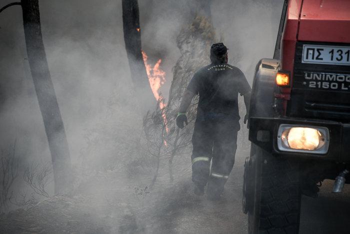 Νύχτα-κόλαση για την Εύβοια-Ολονύχτια μάχη με τις φλόγες