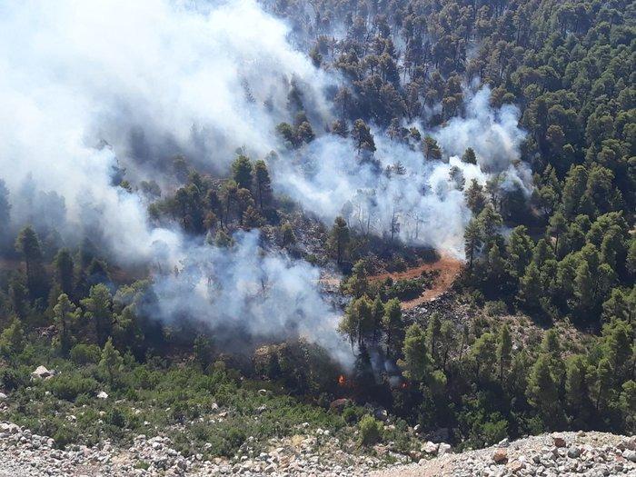 Φωτιά στην Εύβοια: Η αντιμετώπιση των αναζωπυρώσεων βασικός στόχος