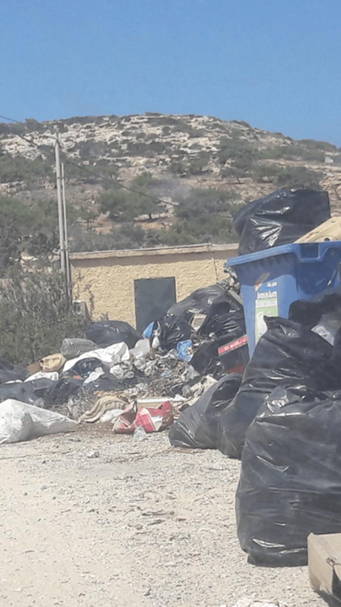 """Εικόνες ντροπής στη Γαύδο - """"Βουνά"""" τα σκουπίδια (φωτό) - εικόνα 2"""
