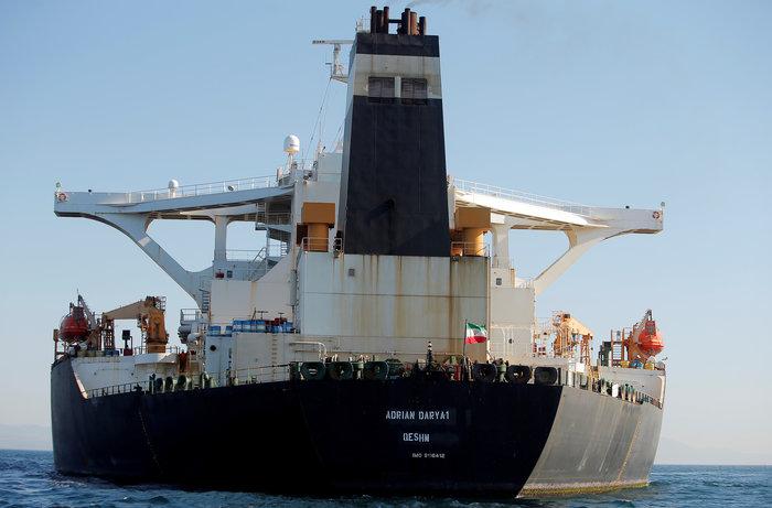 Σήκωσε άγκυρα το ιρανικό δεξαμενόπλοιο Adrian Darya 1 (βίντεο)
