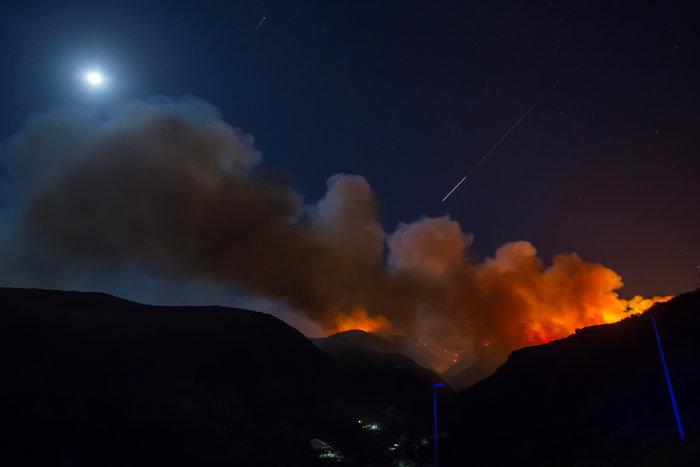 Στο έλεος της φωτιάς το Γκραν Κανάρια-60.000 στρέμματα κάηκαν