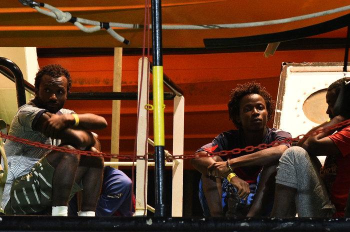 Tέλος στην οδύσσεια: Στη Λαμπεντούζα οι μετανάστες του Open Arms - εικόνα 6