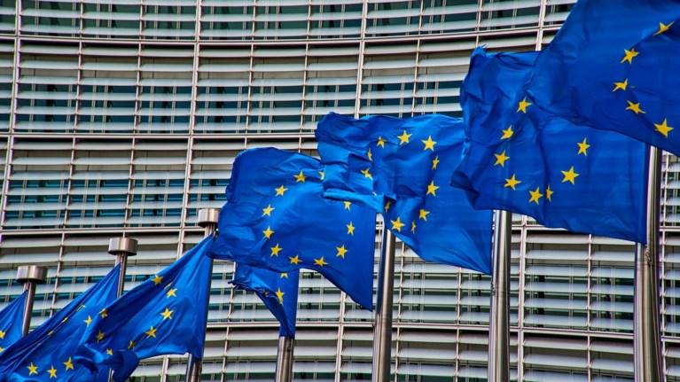 komision-i-eurwpaiki-enwsi-paramenei-enwmeni-sto-thema-tou-brexit