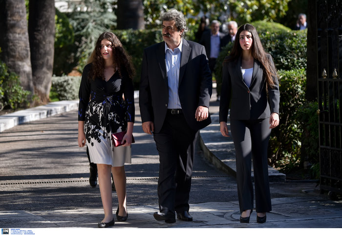 Πέρασε στην Ιατρική Αθηνών η κόρη του Παύλου Πολάκη [Εικόνα] - εικόνα 3