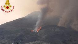 Τουρίστας καταγράφει τη νέα έκρηξη του ηφαιστείου Στρόμπολι