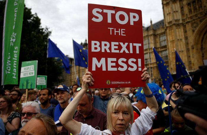 Brexit: 1 εκατ. υπογραφές κατά της απόφασης του Τζόνσον - εικόνα 2