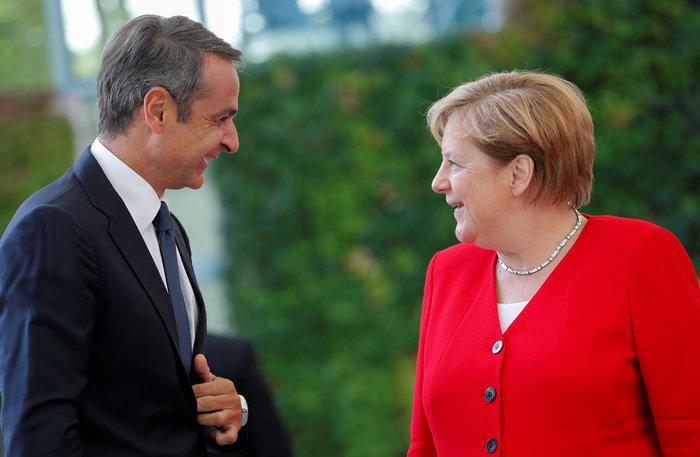 Σε εξέλιξη η συνάντηση Μέρκελ-Μητσοτάκη στο Βερολίνο [Εικόνες] - εικόνα 3