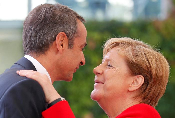 Σε εξέλιξη η συνάντηση Μέρκελ-Μητσοτάκη στο Βερολίνο [Εικόνες] - εικόνα 4